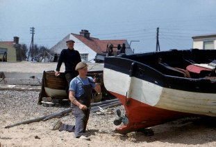 Alfred and Stanley Brown, Kessingland Beach. Hardwicke Knight photpgrapher.