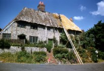 Thatching in the Home Counties. Hardwicke Knight photographer.